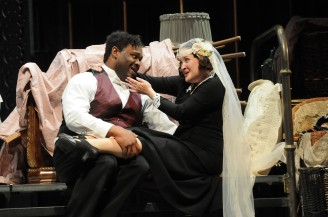 Michael Sumuel as Figaro and Anna Christy as Susanna. Photo by Mark Kiryluk.