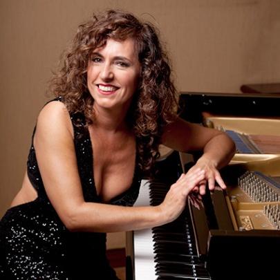 Pianist Victoria Aja