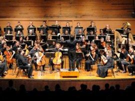 CMR Festival Orchestra onstage in Chautauqua Auditorium