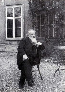 Brahms_GardenSeat