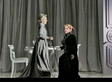 6. Helene Schneiderman (Old Baroness) and Erin Wall (Vanessa) in 'Vanessa' (c) Ken Howard for Santa Fe Opera.SMALL