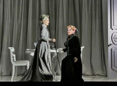 6. Helene Schneiderman (Old Baroness) and Erin Wall (Vanessa) in 'Vanessa' (c) Ken Howard for Santa Fe Opera.SMALL