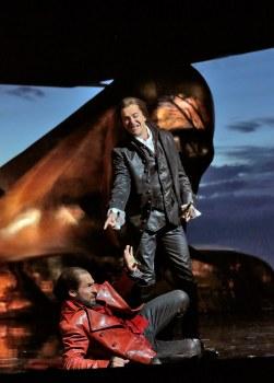 8 Kyle Ketelsen (Leporello) and Daniel Okulitch (Don Giovanni) in 'DOn Giovanni' (c) Ken Howard for Santa Fe Opera.SMALL