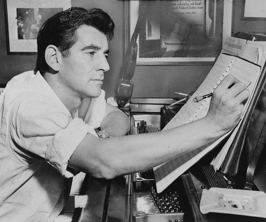 1024px-Leonard_Bernstein_NYWTS_1955