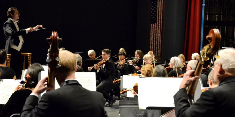 Elliot Moore with the Longmont Symphony 2_preview.smiling_elk