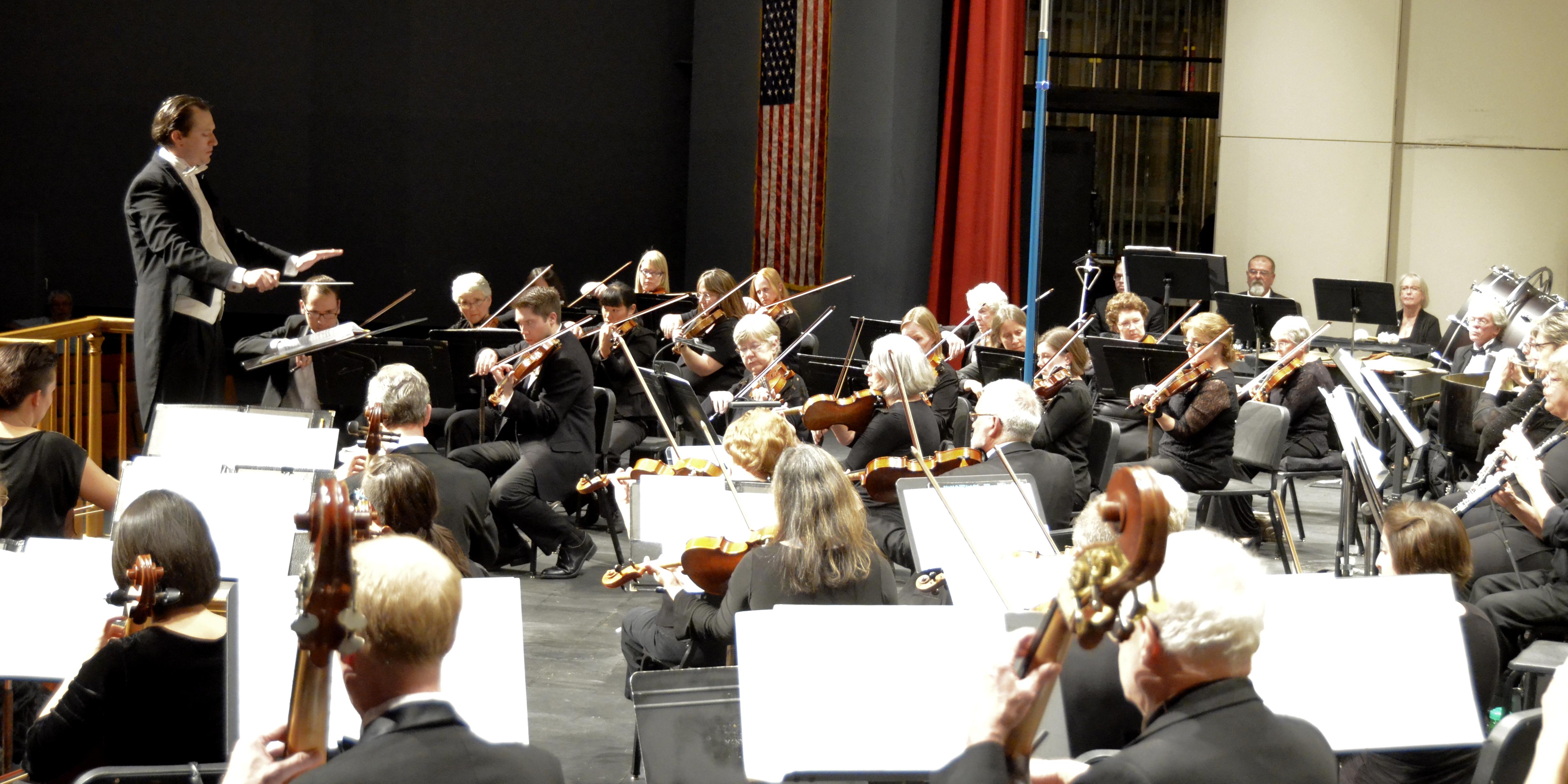 Elliot Moore with the Longmont Symphony 3.smiling_elk