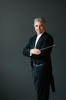 Peter-Oundjian_Credit-Sian-Richards.jpg